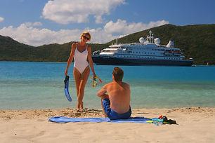 cruise-ship-1108961_1920.jpg