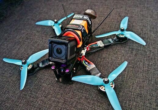 drone-3758182.jpg