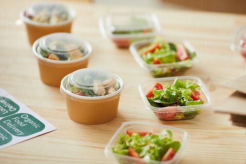 organic-food-delivery-service-F5KCW2L.jp