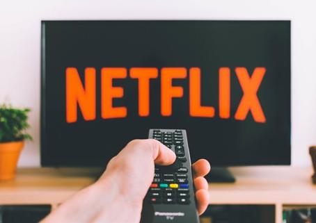 Apprendre Les bases d'une nouvelle langue en regardant Netflix c'est possible ?!