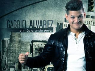 Gabriel Alvarez presentando su sencillo El Mas Grande Amor