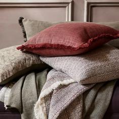 neptune_auburn_throw_and_cushion_jake_curtis