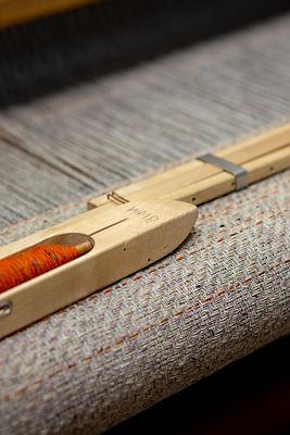 bristol_weaving_naomi_wood_linen_shuttle_hand_loom