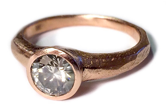 Classic Round Ring
