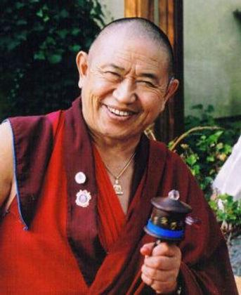 Garchen_Rinpoche-0da674c9.jpg