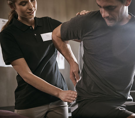 Physical Therapist, sports physio, specialist physiotherapist, exeprienced physiothrapist, back pain, neck pan, knee pain, chronic pain