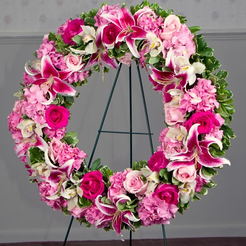 Warm Embrace Wreath Premium