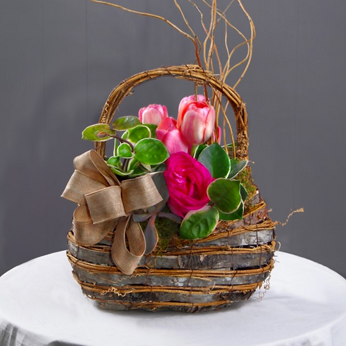 Simply Sweet Rochester Basket Table Accent