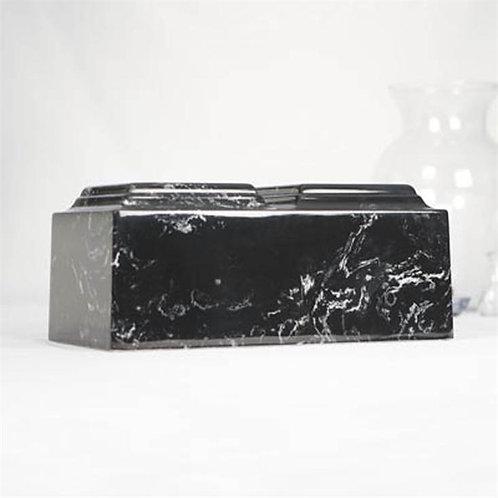 Compañero de mármol negro