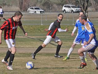 Denley settle early nerves to win