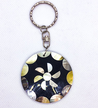Flower shell keychain