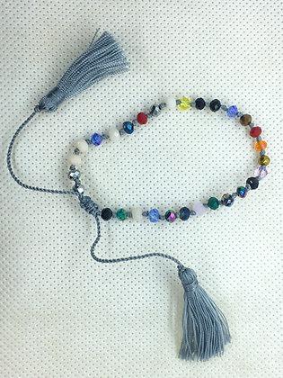 Adjustable tassel bracelet grey