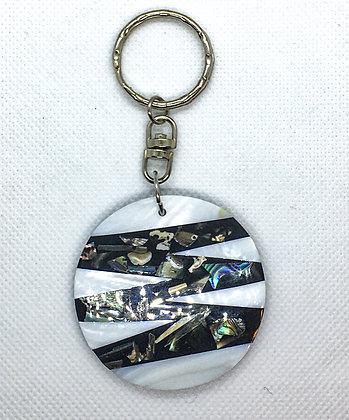 White zigzag shell keychain