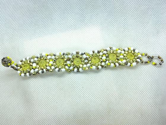 Beaded flower bracelet yellow and white