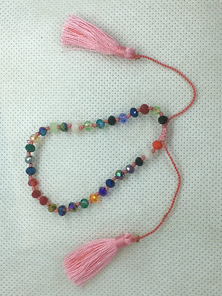 Adjustable tassel bracelet pink