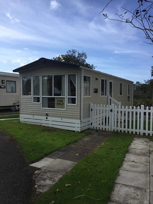 2 bed ch and dg 37x12 on park sale