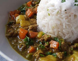 curry de boeuf, food truck de cuisine antillaise - caribéenne