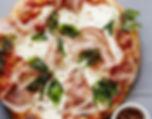 Pizza rélisé en camion à pizza pour événement d'entreprise