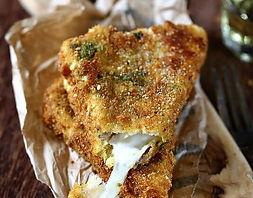 beignets de mozzarella cusinés en food truck