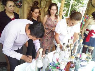Mujeres michoacanas venderán mezcal a través de MiMezcalito.com