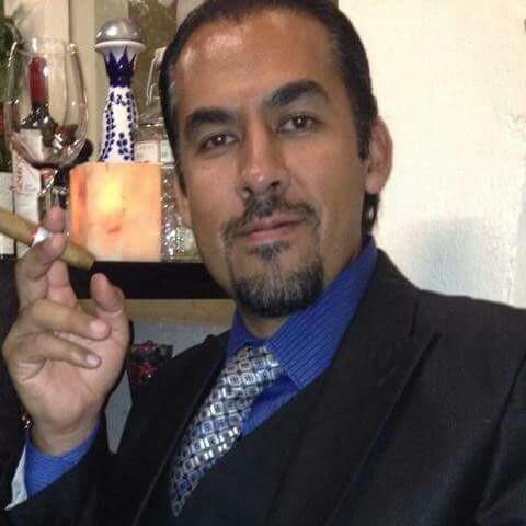 Sommelier Vicente Mendoza