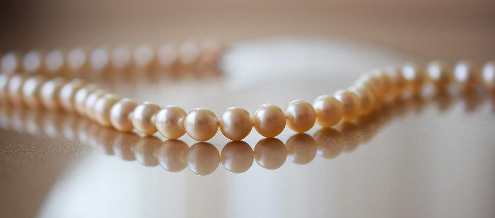 pearls-2268099_1920.jpg