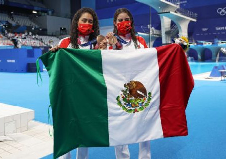 Bronce para México en clavados femenil sincronizados en plataforma