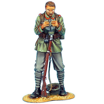 GW007 - German Standing with Gas Mask - 62nd Infantry Regt
