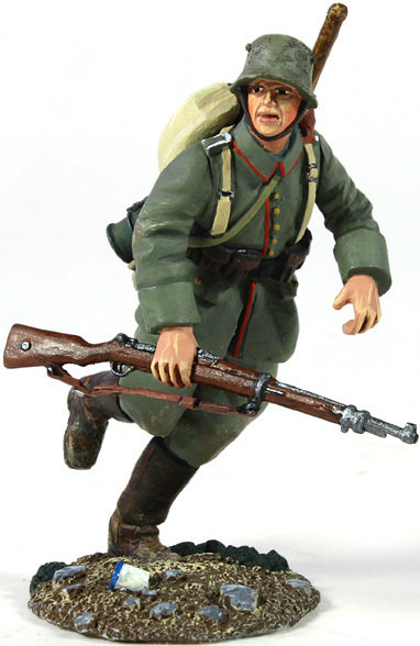 23058 - 1916-18 German Infantry Pioneer Running
