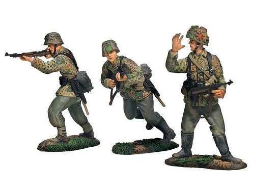 17688 - German 17th Waffen SS Division Forward Advance Set No.1