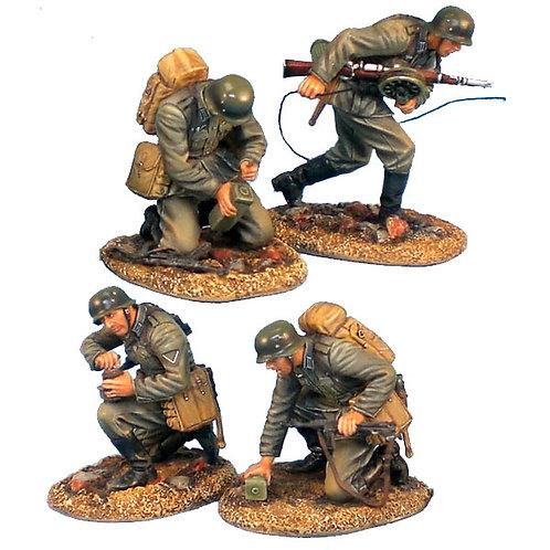 GERSTAL009 - Heer Infantry Kneeling with Rifle