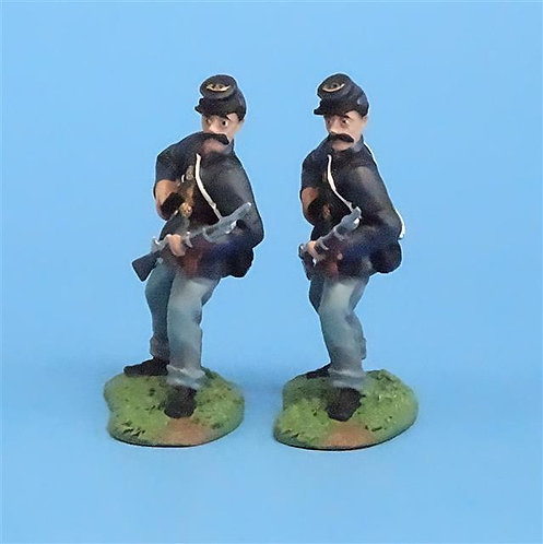 CORD-019 -Union Standing Loading (2 Figs) - ACW - Britians - 54mm Metal - No Box