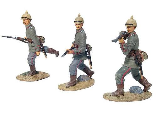 17656 - German 84th Infanterie Regiment von Manstein Advancing Set No.2