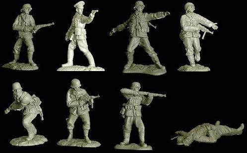 DDAY023 - German Set 1 - 16 Figures, 8 Poses