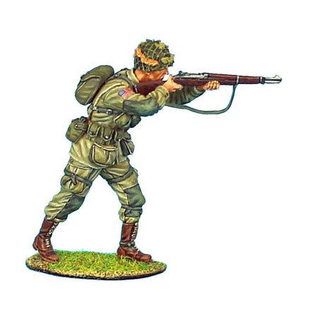 NOR007 - US 101st Airborne Paratrooper Standing Firing M1 Garand