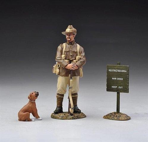 GW025C - Australian Guard and Boxer