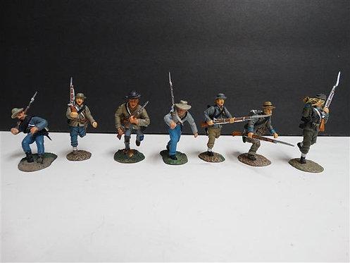 MI-171 - Confederates Advancing Set #2, 7Figures (Manufacturer Unknown, No Box)