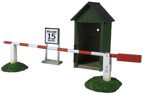 51019 - Air Base Sentry Box & Gate