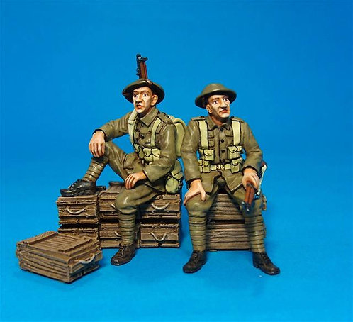 GWB-20 - 2 Tommies Waiting 58th 2/1st London Division Great War