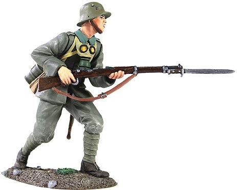 23057 - 1916-18 German Infantry Advancing No.2