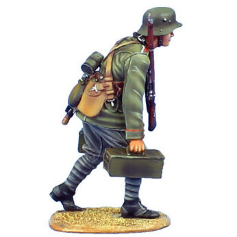 GW012 - German MG Team Ammunition Carrier - 62nd Infantry Regt