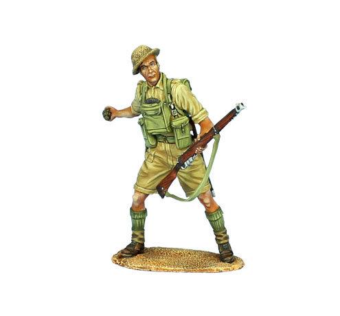 DAK035 - British 8th Army Throwing Grenade