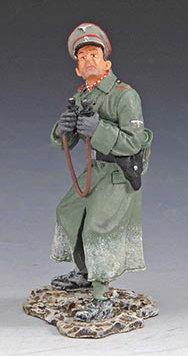 SS038B - Flak Officer Winter