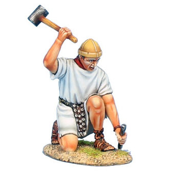 ROM168b - Imperial Roman Legionary with Hammer - White Tunic