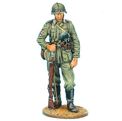 GERSTAL051 - German Heer Infantry Standing with Rifle