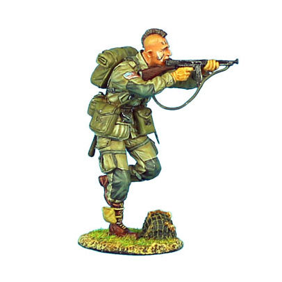 NOR005 - US 101st Airborne Paratrooper Running with Thompson SMG
