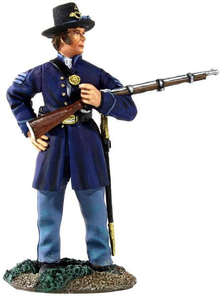 31133 - Union Infantry Iron Brigade NCO Cradling a Musket