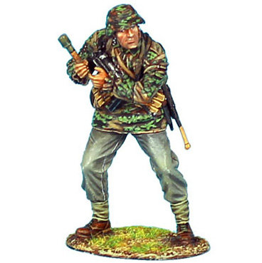 NOR015 - Waffen-SS Panzer Grenadier with Grenade
