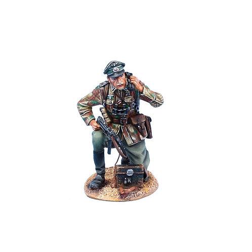 NOR072 - German Heer Infantry Officer on Field Phone