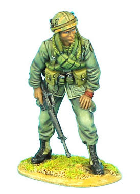 VN002 - US 25th Infantry Division Standing with M-16
